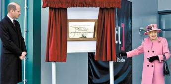 ¿Por qué Isabel II no usó cubrebocas en su reaparición oficial?