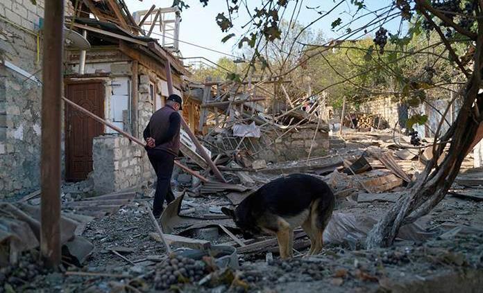 El fallido alto el fuego alienta el temor de una escalada de la guerra en el Karabaj