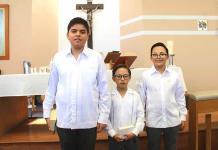 Antonio Martínez Rangel, Eduardo Ruiz Sánchez y Leonardo Ruiz Sánchez realizan su primera comunión