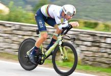 Ganna vuela en la contrarreloj del Giro de Italia