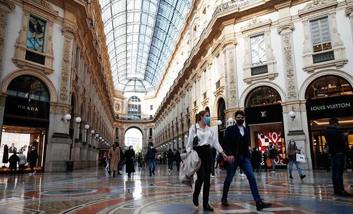 Italia cerrará las zonas más concurridas de sus ciudades para frenar al virus