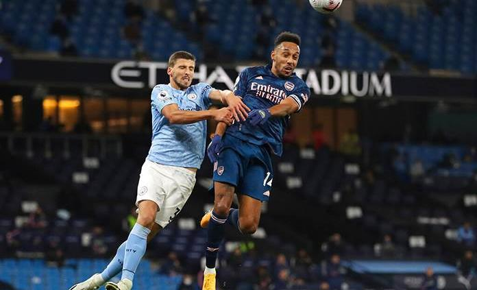 Manchester City doblega al Arsenal en la Premier