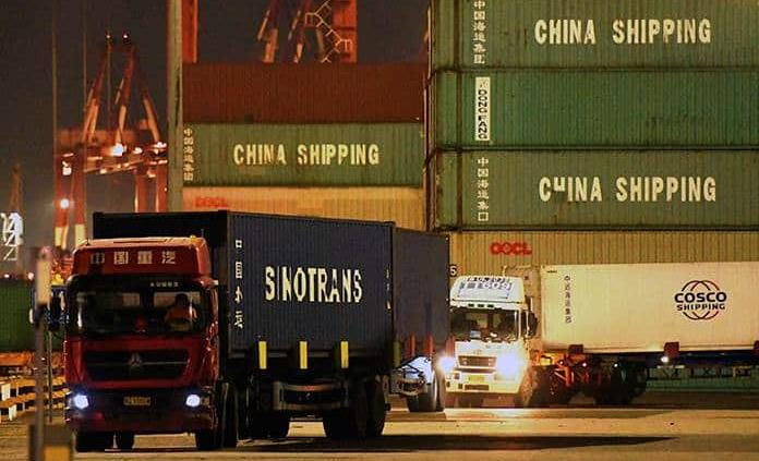 China aprueba ley que restringe exportaciones delicadas
