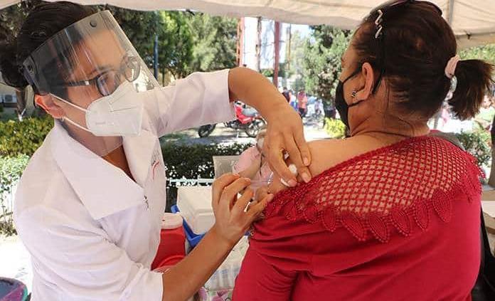 Aplicarán casi 900 mil vacunas contra la influenza en la población de riesgo