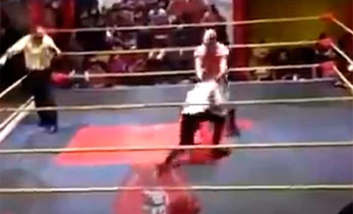 Fallece luchador Príncipe Aéreo en plena función en Edomex (VIDEO)