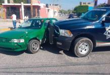 Policía embiste a taxista en Hogares Ferrocarrileros