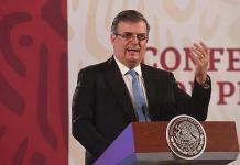Se va a invocar al T-MEC para que mexicanos en EU reciban vacuna, explica Ebrard