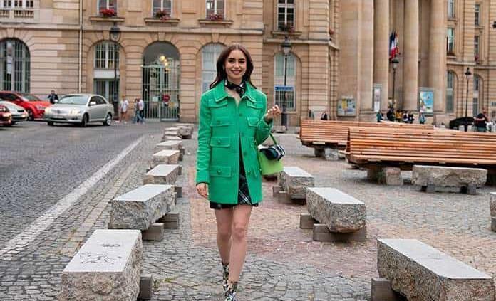 """""""Emily in Paris"""" impone tendencia en la moda"""