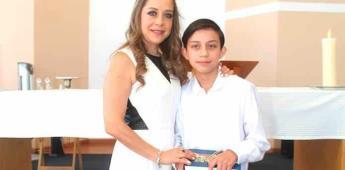 Ricardo Motilla realiza su primera comunión