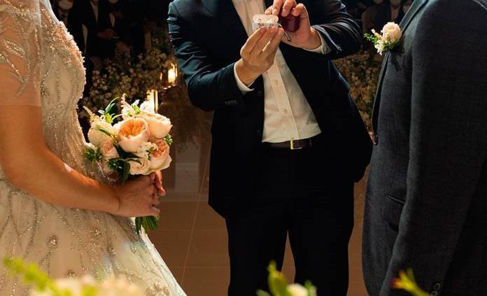 Justicia francesa pide un análisis médico para determinar si Guerlain puede casarse