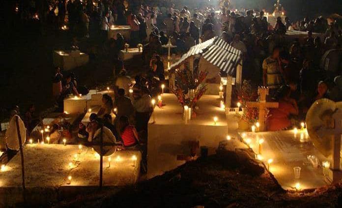 Danza y ofrendas para celebrar el Xantolo en la Huasteca Potosina