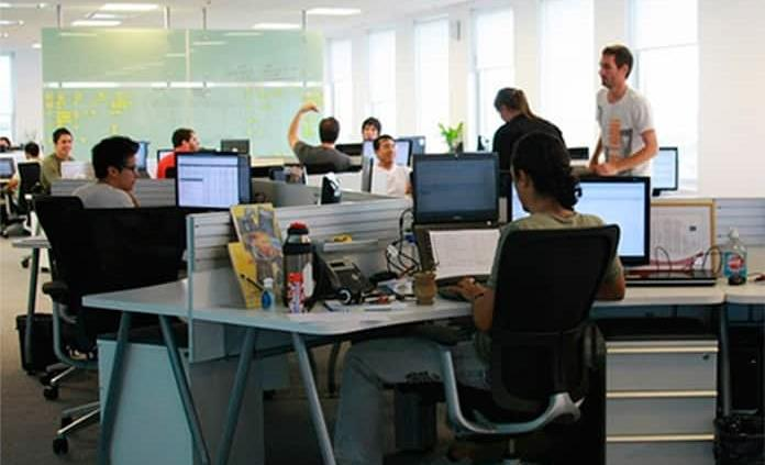AMLO se dice a favor de prórroga para reforma al outsourcing