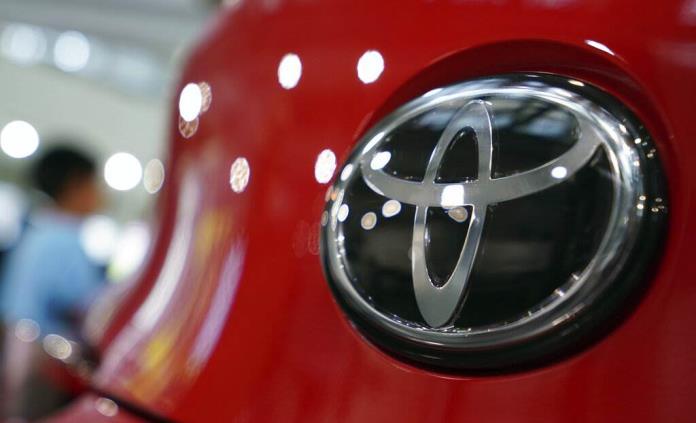 Toyota llama a revisar 1.5 millones de vehículos en EEUU