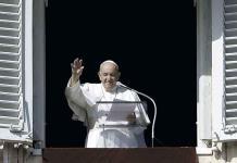 Papa Francisco pide defenderse del Coronavirus