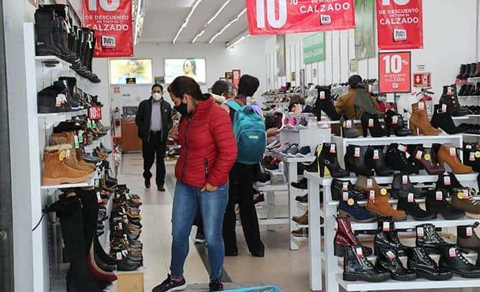 Ropa, zapatos y no perecederos, lo que más compraron los potosinos durante El buen fin
