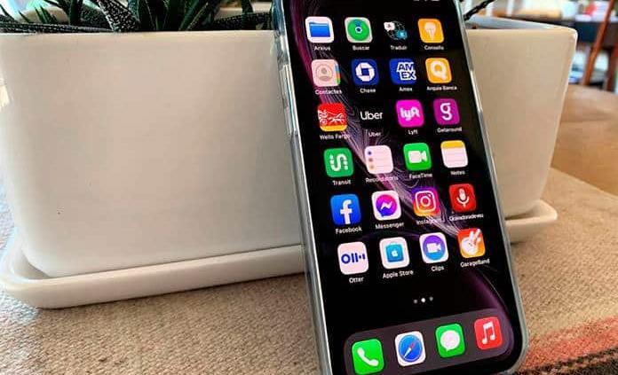 Apple bate un récord de ingresos con el iPhone 12