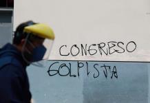 El 91 % de los peruanos desaprueba destitución de Vizcarra por el Congreso