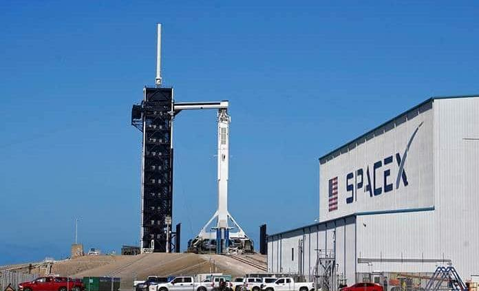 La NASA y SpaceX prevén que el domingo despegue de misión a la Estación Espacial