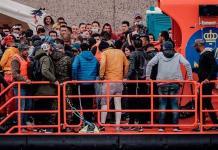 España rescata a cerca de 450 migrantes cuando navegaban hacia las Canarias