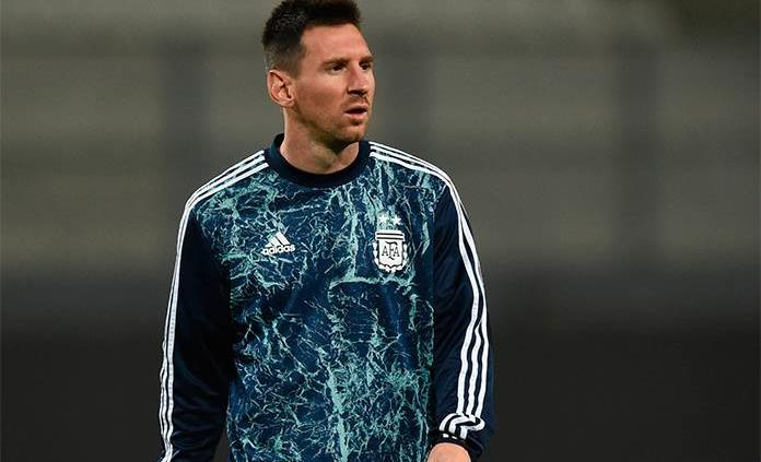 Técnico del Barcelona sale en defensa de Messi tras polémica