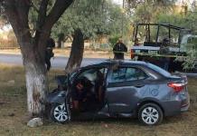 Choca contra árbol, saldo mujer muerta y tres lesionados