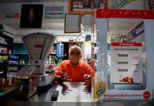 Las pequeñas tiendas de abarrotes luchan por sobrevivir al virus