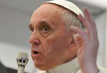 El papa pide no caer en la fiebre consumista tras la pandemia