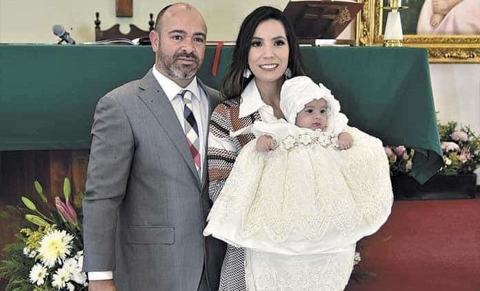 Valeria Puga Carrillo recibió el bautismo