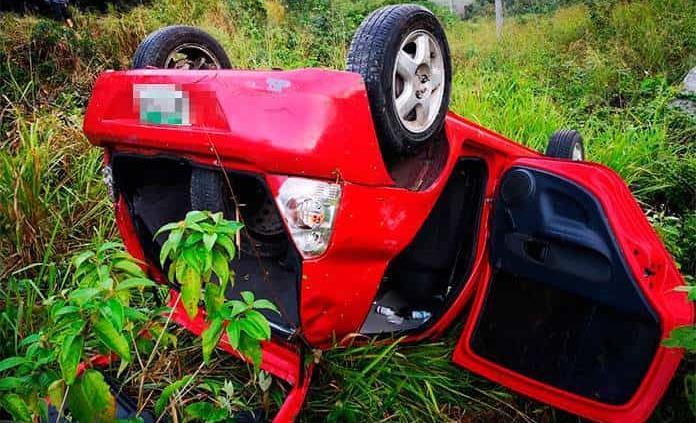 Vuelca automóvil con empleados del IMSS en la Valles-Tampico