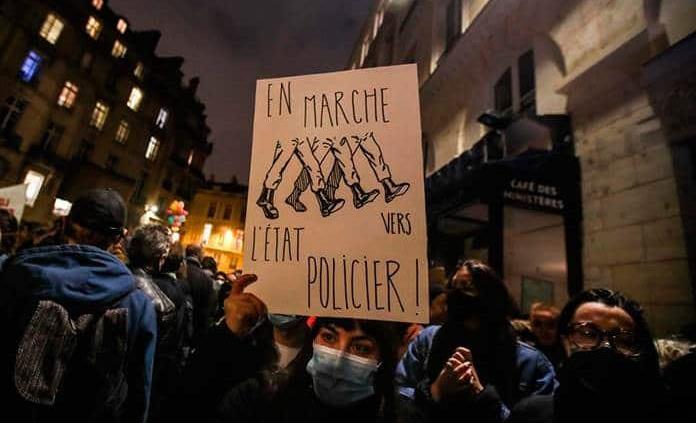 Gobierno francés da marcha atrás a la polémica legal sobre las imágenes de policías