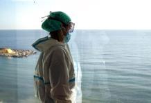 Enfermeras españolas, testigos de la soledad del COVID-19