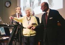 Jan Morris autora y pionera transgénero muere a los 94 años