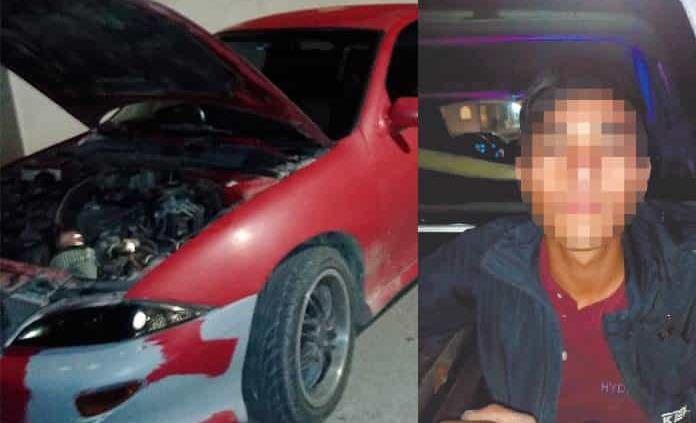 Sorprenden a un joven desvalijando auto robado