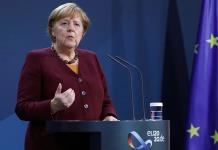 Merkel llama a no apartar la vista ante la violencia contra las mujeres