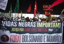 Sepultan a hombre negro al que mataron guardias en Brasil
