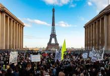 Franceses protestan por polémica ley
