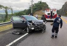 Policía estatal sufre un accidente carretero