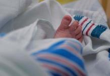 Bebés de madres con covid pueden nacer antes y con bajo riesgo de infección, según estudio