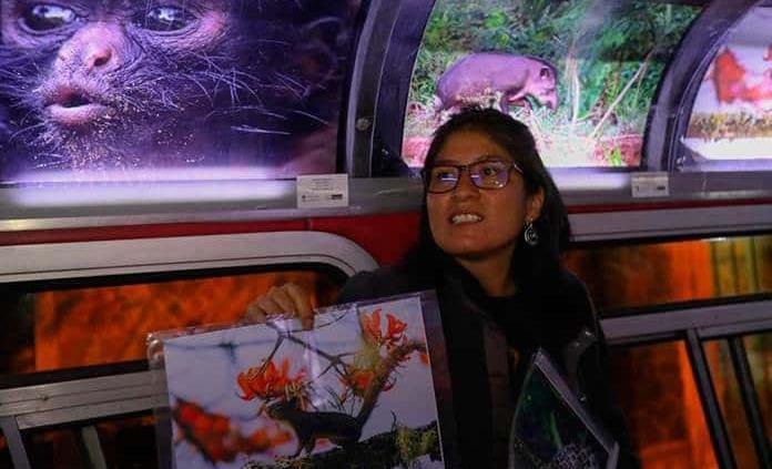 La Micro Galería, el autobús que acerca el arte a la gente en Bolivia