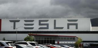 Autos Tesla incluyen La Cucaracha en el claxon