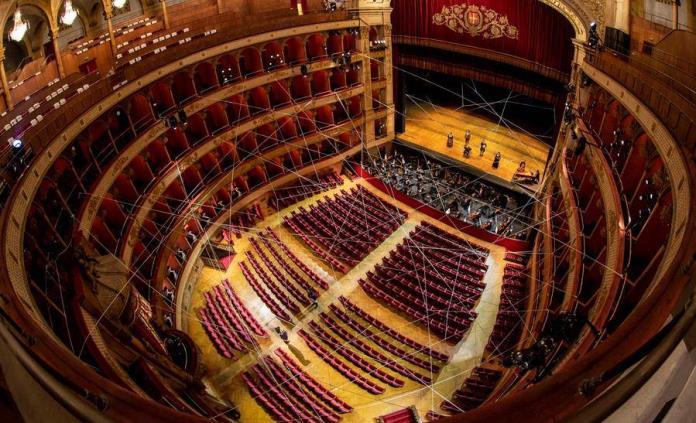 La reinvención de la ópera italiana contra las butacas vacías