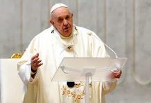 Reporta diario argentino que el papa Francisco ya fue vacunado contra el coronavirus