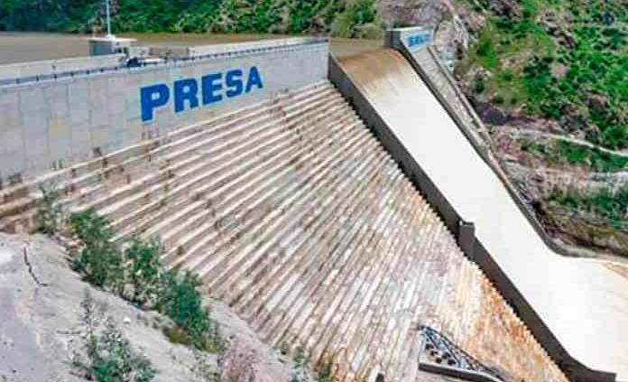 Reporta Interapas nueva fuga en el ducto del Realito