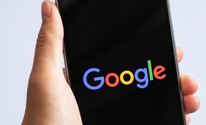 Google está desarrollando su primer celular plegable
