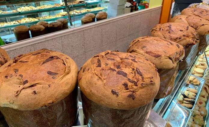 Los pasteleros italianos no dejan que la pandemia amargue su panettone