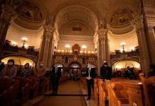 La artesanía de catedrales y la sauna finlandesa, patrimonio de la humanidad