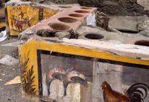Descubren en Pompeya un termopolio, un restaurante aún con restos de comida