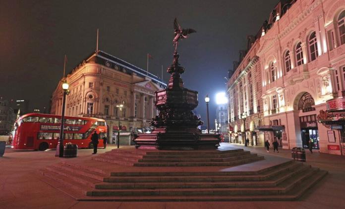 Nueva cepa eleva la tasa de reproducción del covid en Reino Unido, según estudio