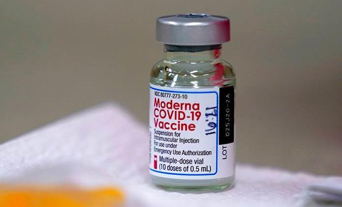 """Regulador europeo trata de aclarar con Moderna cuestiones pendientes"""" sobre su vacuna"""