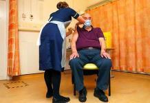El Reino Unido ofrecerá una vacuna de refuerzo a los mayores de 50 años